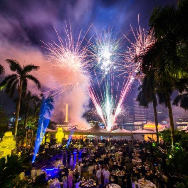 Happy New Year 2019 – The Peninsula Hotel Bangkok