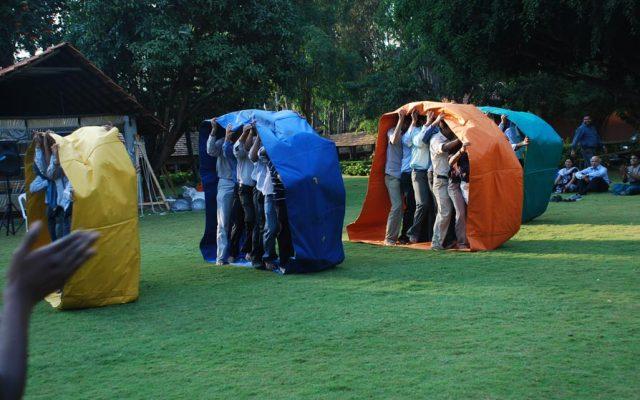 Outdoor Team Building Programs & Activities