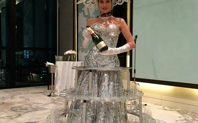 Champagne Lady – Up Great  your EVENT