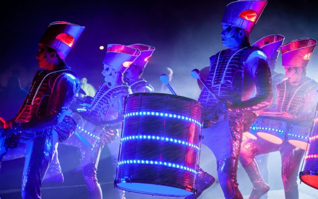 LED  Drummers show